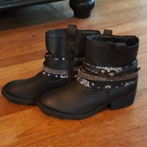 Candies big Girls Ankle Boots SZ 4  Like NEW